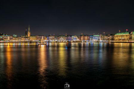 Hamburg Alster Tanne Nacht Skyline 2