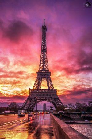 Paris Eiffeltower Sunrise